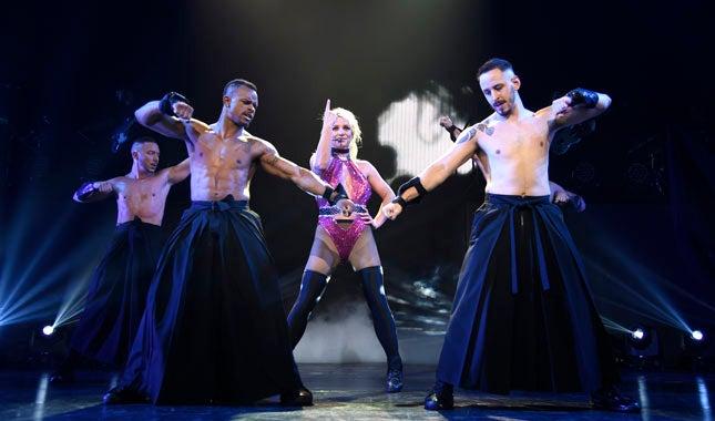 775187671LS004_Britney_Kevin-Mazur.jpg