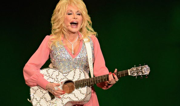 Still-rocking-at-70-Dolly-Parton.jpg
