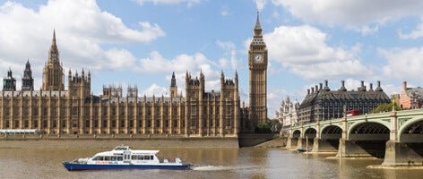 Thames Clippers and Big Ben.jpg